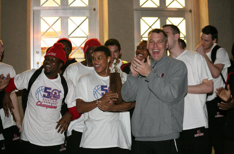 Men's Basketball: Champion Panthers return to campus celebration