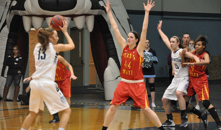 Big Second Half Leads Northwood Past Ferris State In GLIAC Women's Hoops