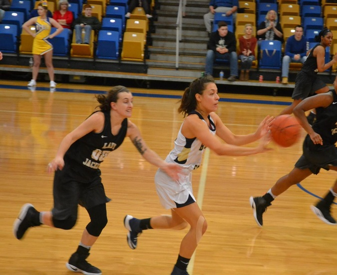 Big Blues Struggle From 3 in Loss to Alderson-Broaddus