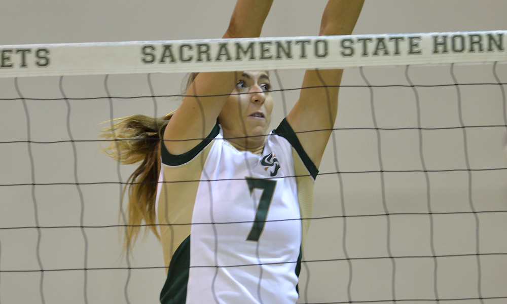 VOLLEYBALL OPENS SEASON WITH 3-2 VICTORY OVER UCONN