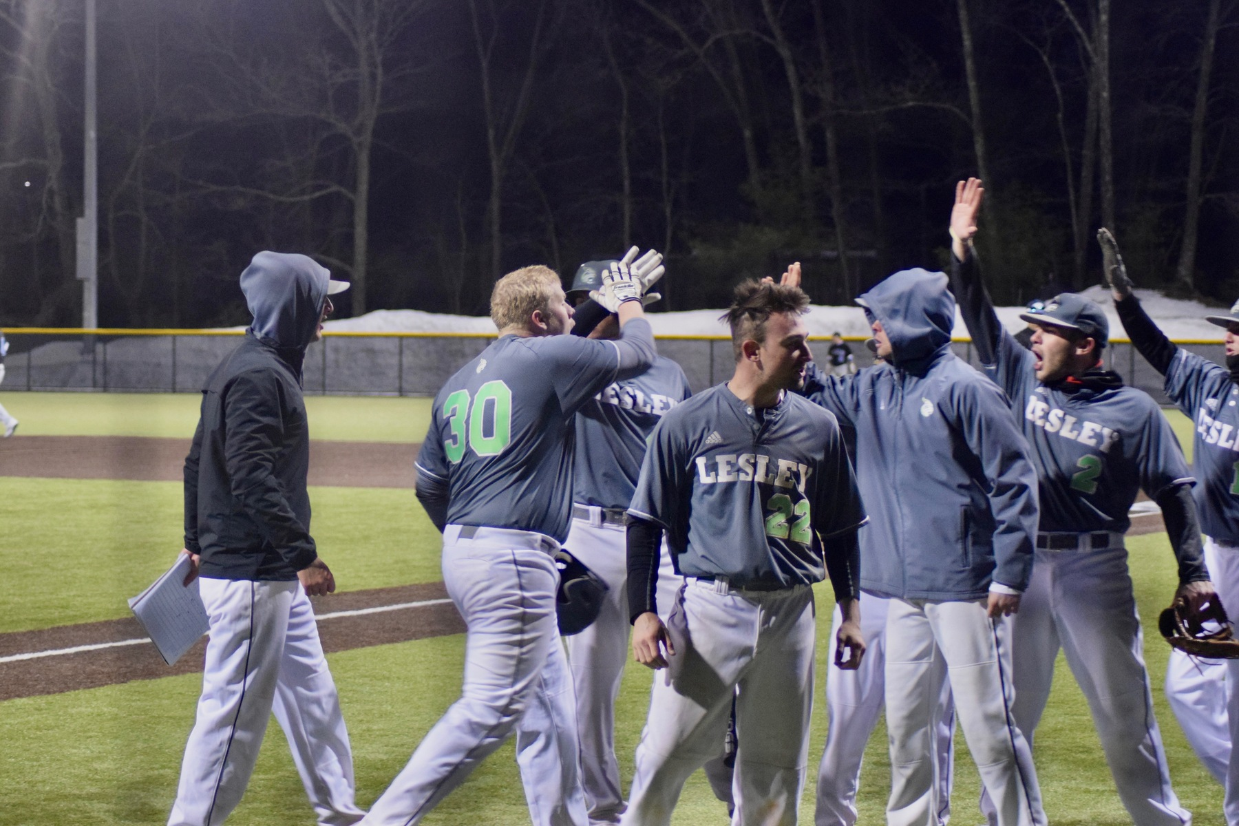 Pumphret Lifts Lynx to Series Victory Over Newbury