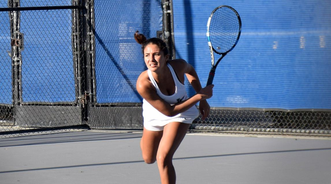 Women's tennis team rallies for big win over Riverside