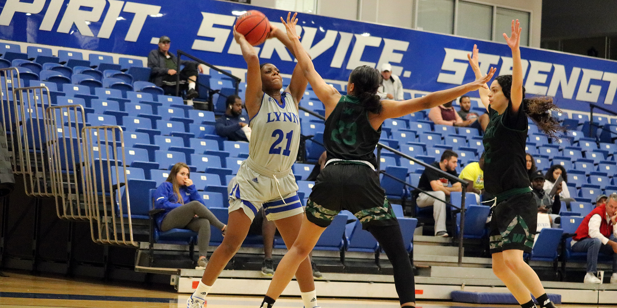 Women's Basketball Victorious in Midseason Exhibition