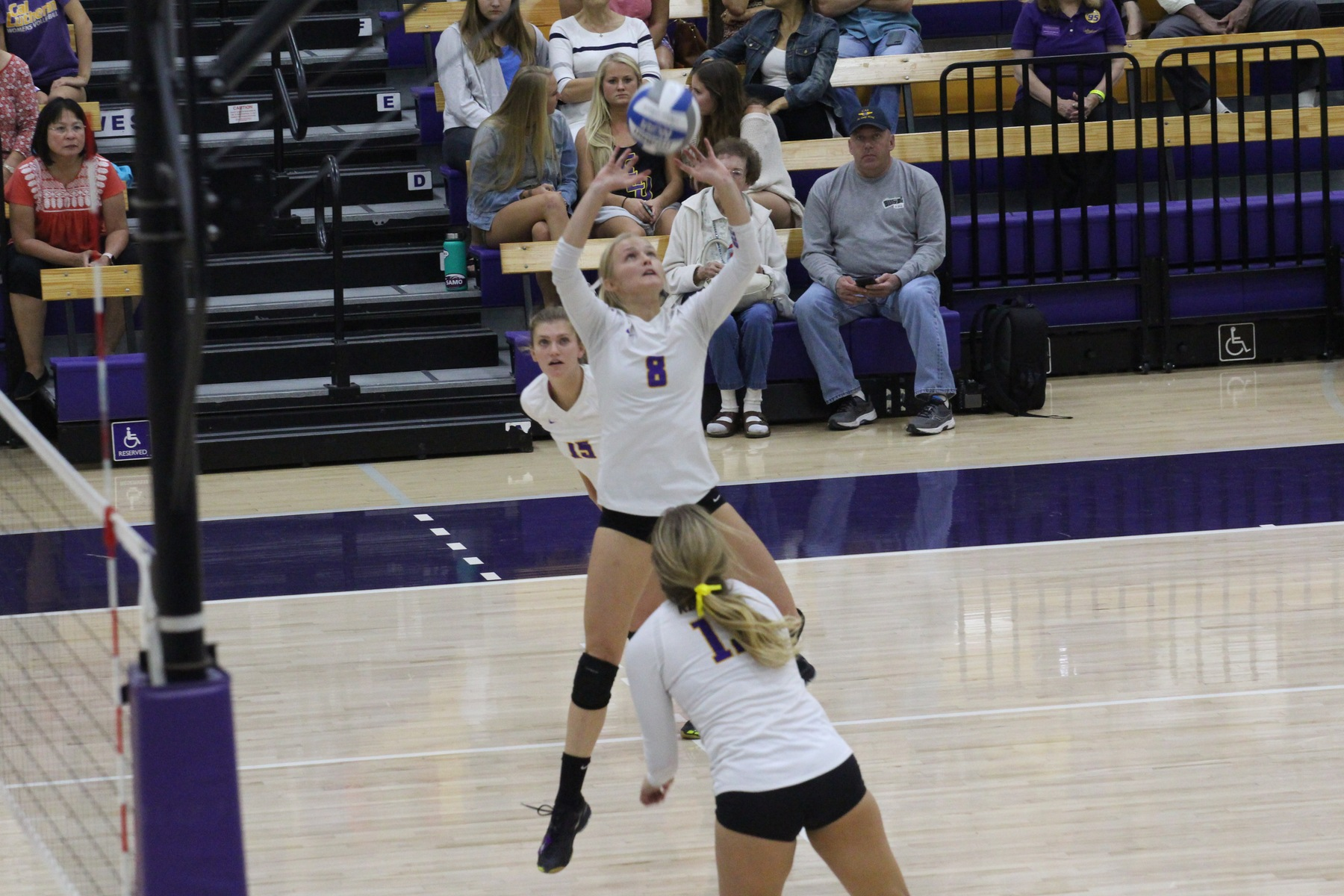 Regals Upset Leopards, Head to SCIAC Tournament Finals