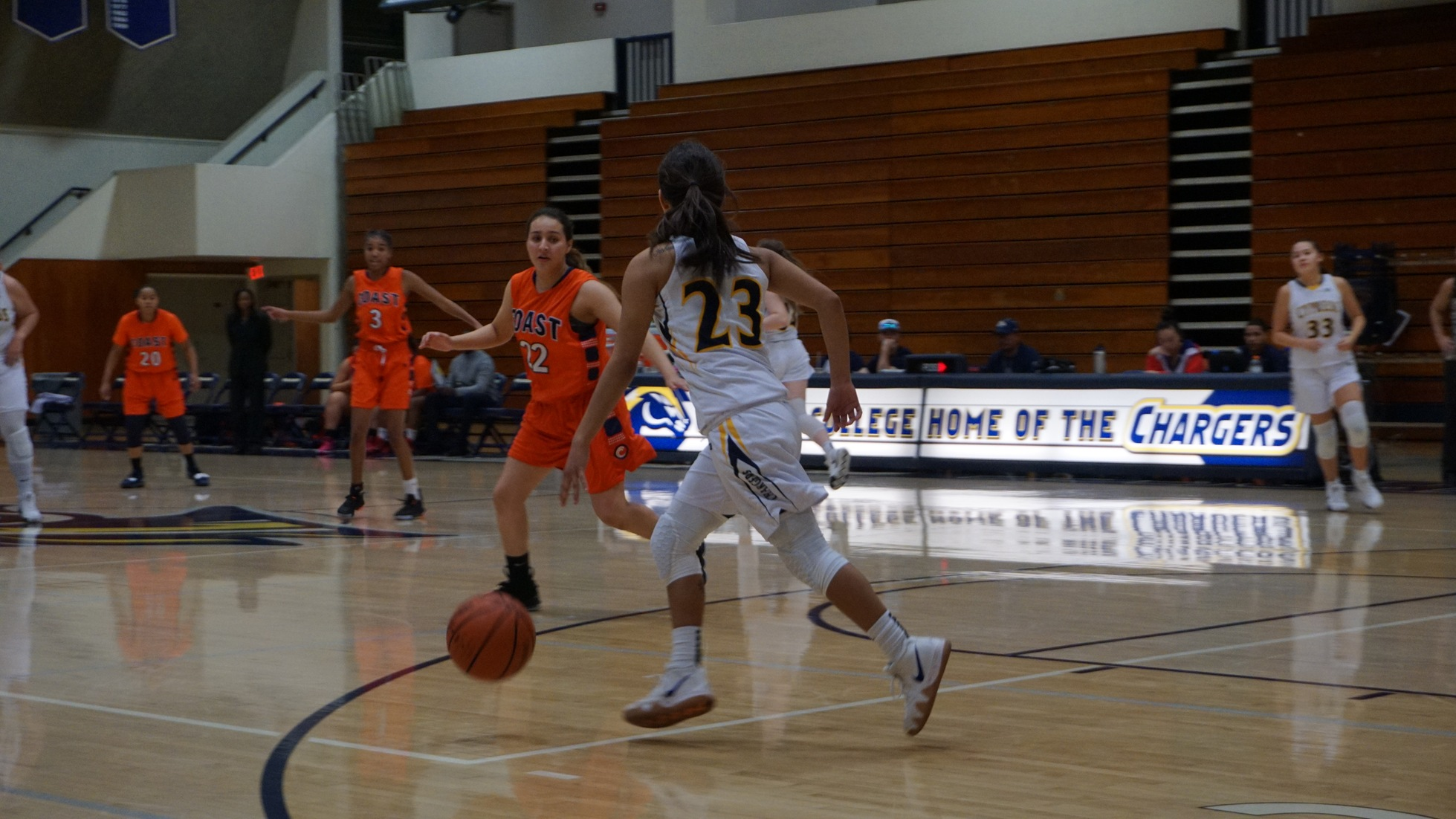 Chargers Knock Off Gauchos, 71-62