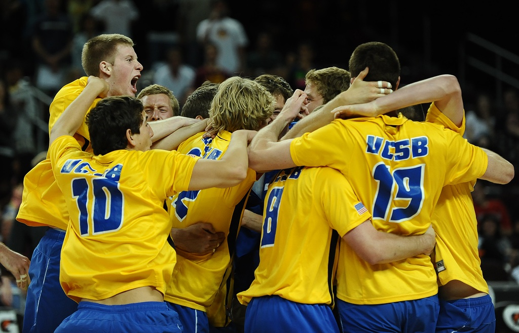 UCSB Debuts at No. 14, Falls to Manitoba in Five Sets