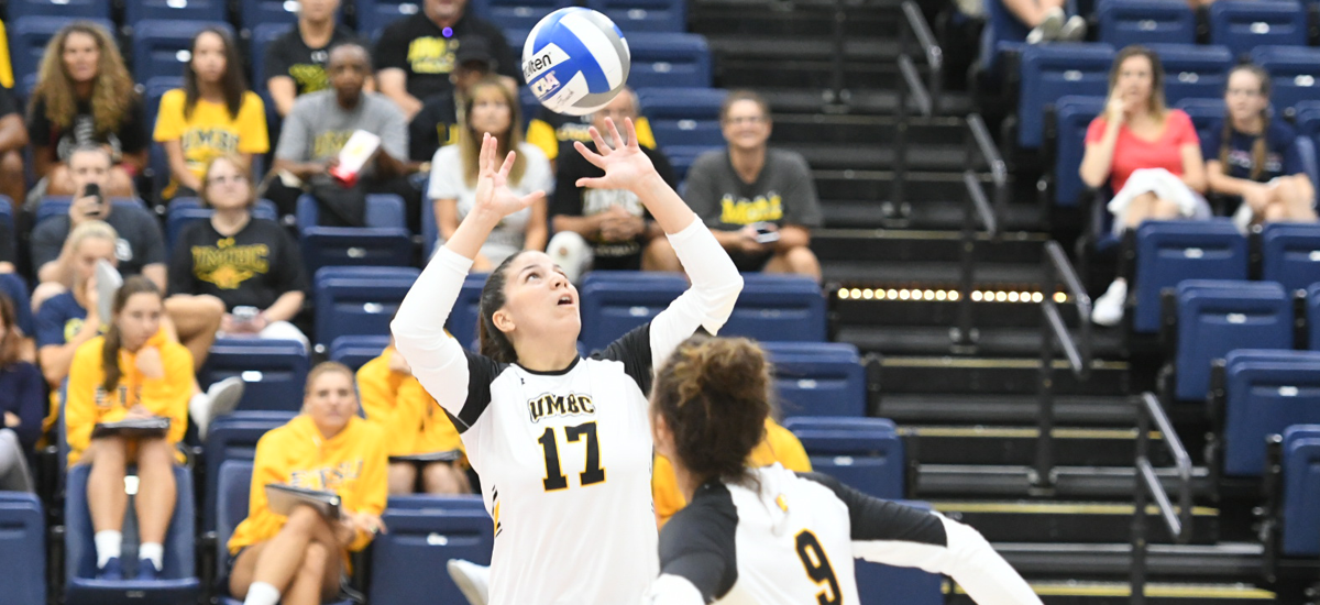 Negrón Earns Third Consecutive Double-Double as Volleyball Falls in Four Sets to Tulsa