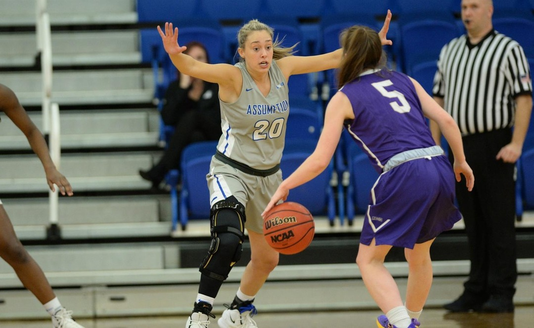 Women's Basketball Drops to Molloy 67-51