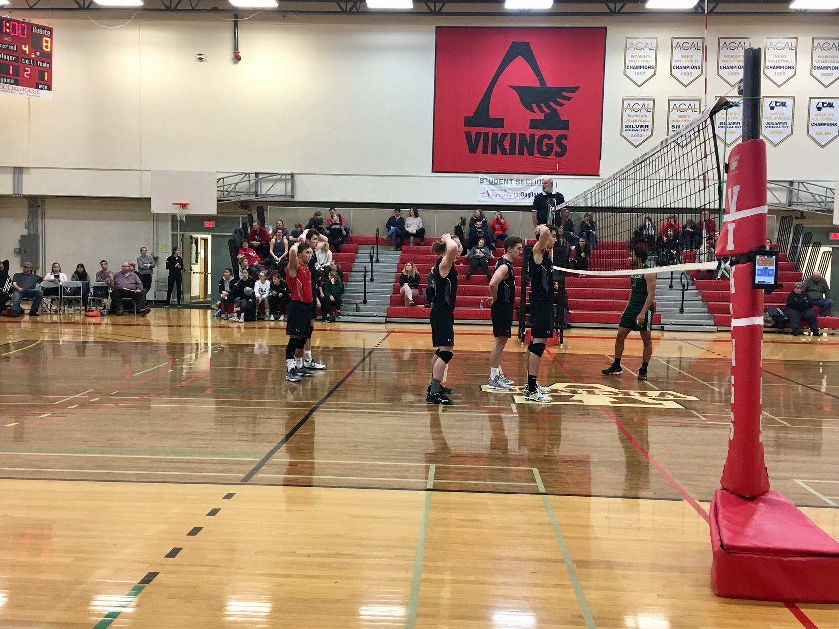 Vikings take win over Rustlers in four sets