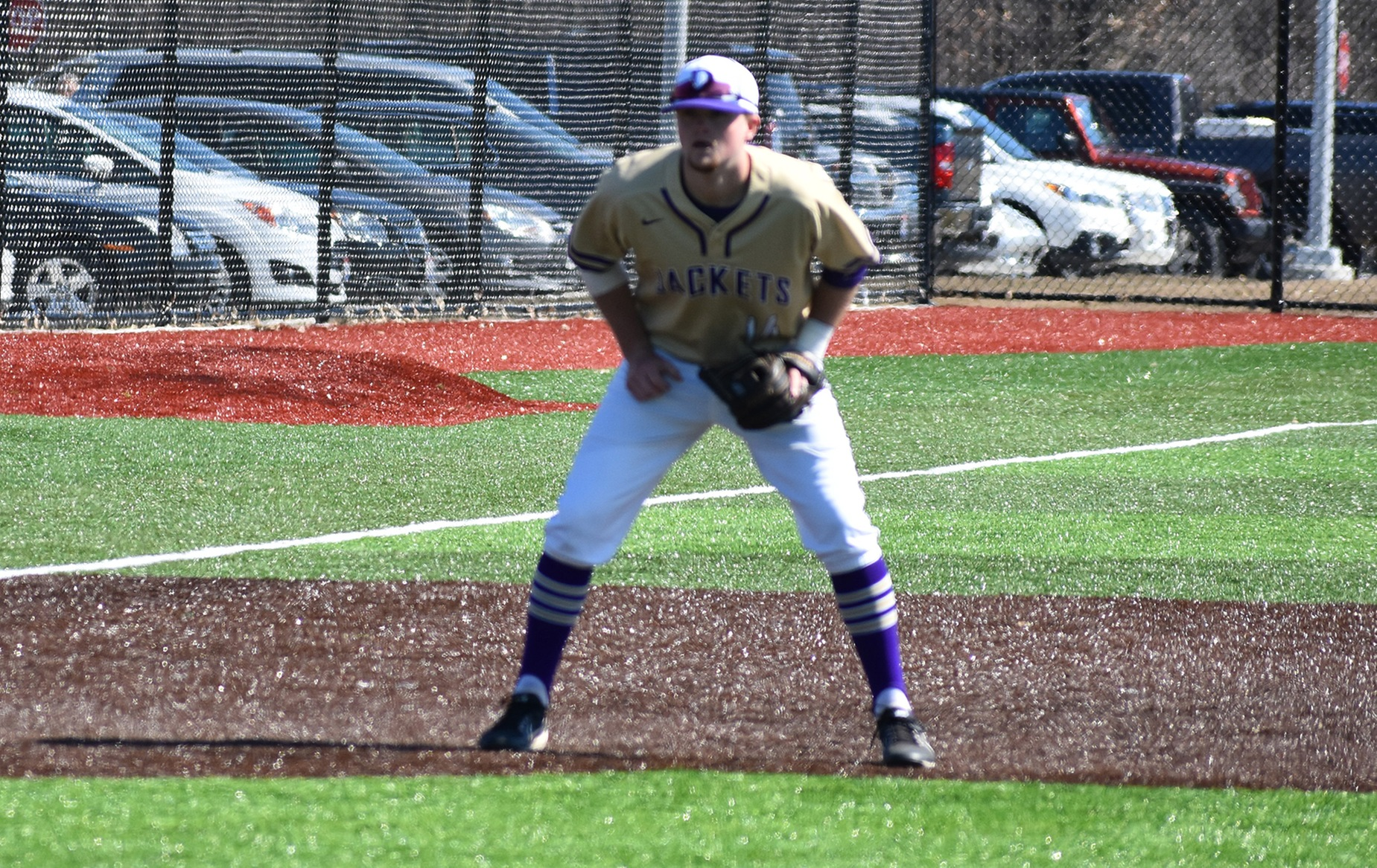 Yellow Jackets Split Rivalry Matchup with Bluffton