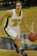 Michelle Kurowski averaged 19.0 points, 4.0 assists and 3.0 steals in three games last week.