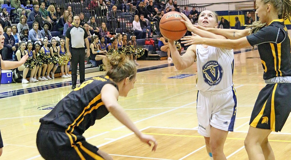 WBB | Gee-Gees Gallop Past Voyageurs