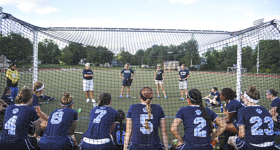 Lyons Tales: A Review & Preview of Mount Holyoke Athletics for Sep. 29th