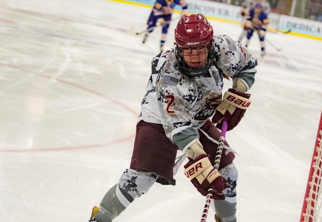 Amanda Conway women's hockey action vs. Elmira