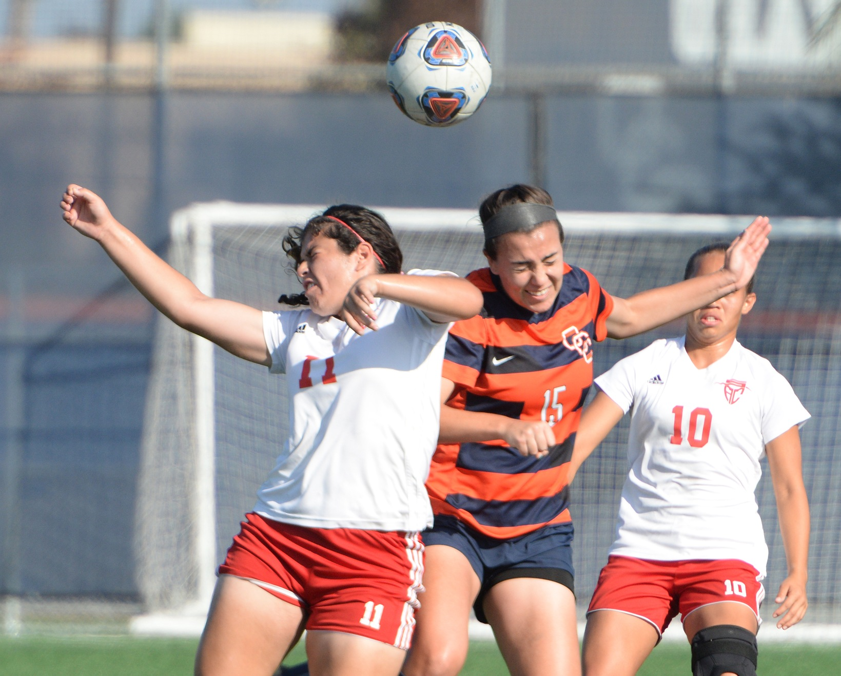 Late goal propels Pirates past Mustangs, 1-0