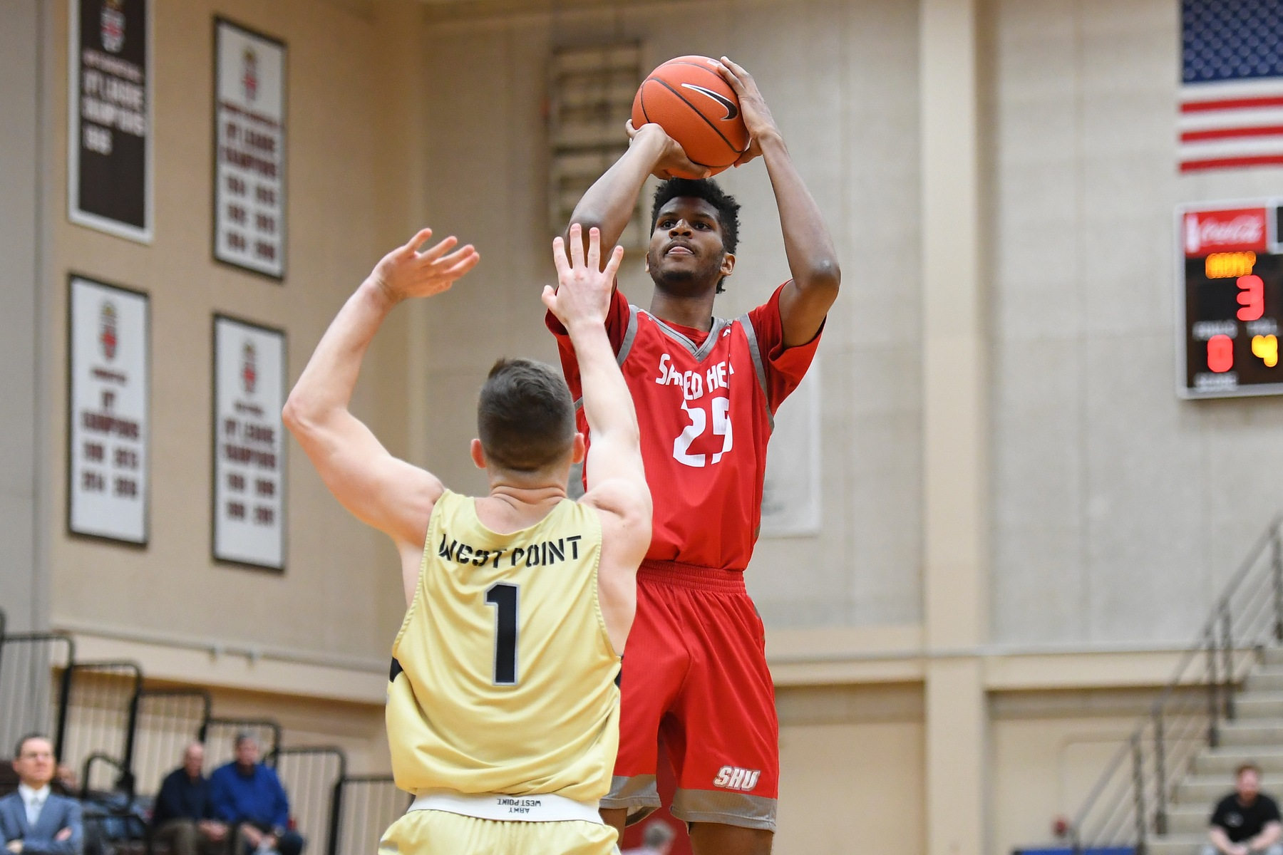 Spellman's Game-Winner Pushes Men's Basketball Past Lafayette, 64-62