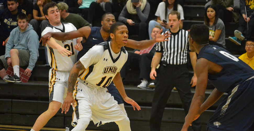 Gritty Effort by Men's Basketball Comes Up Just Short, UNH Edges UMBC, 84-81