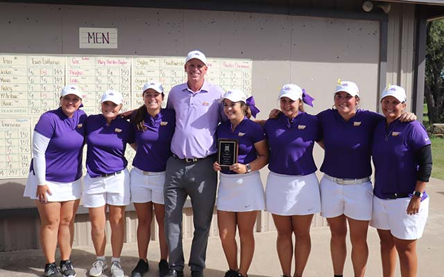 Cowgirls Receive ASC Team Sportsmanship Award