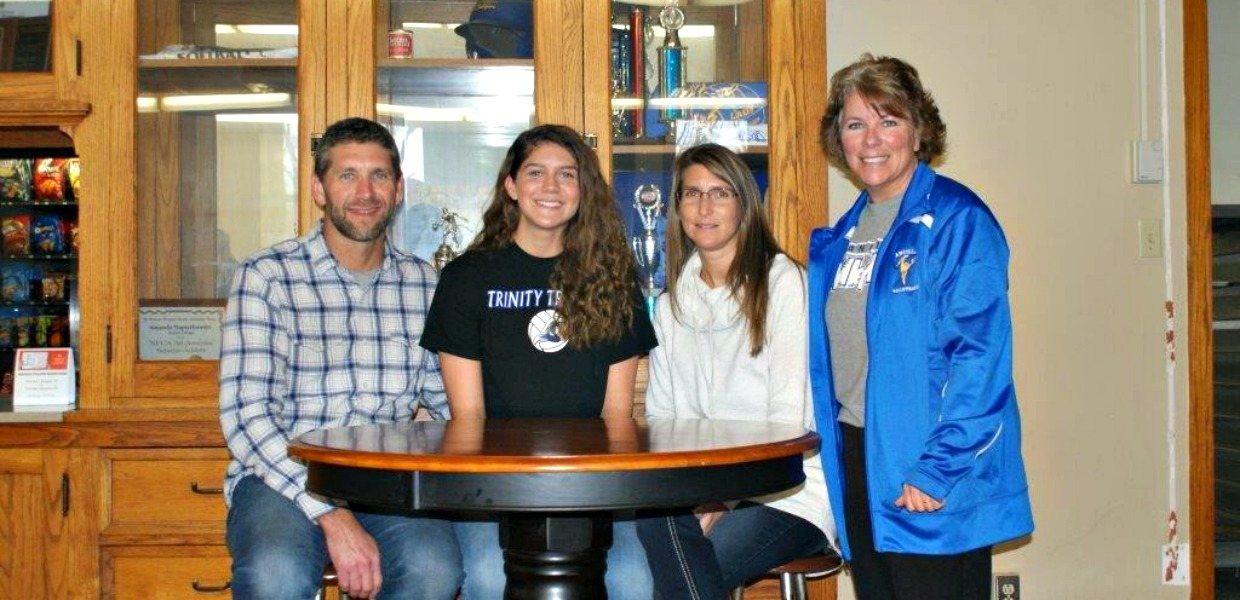 Photo for Brenneman to Continue Volleyball Career at Trinity International University