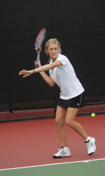 Women's Tennis Prepares for Saint Mary's Invitational