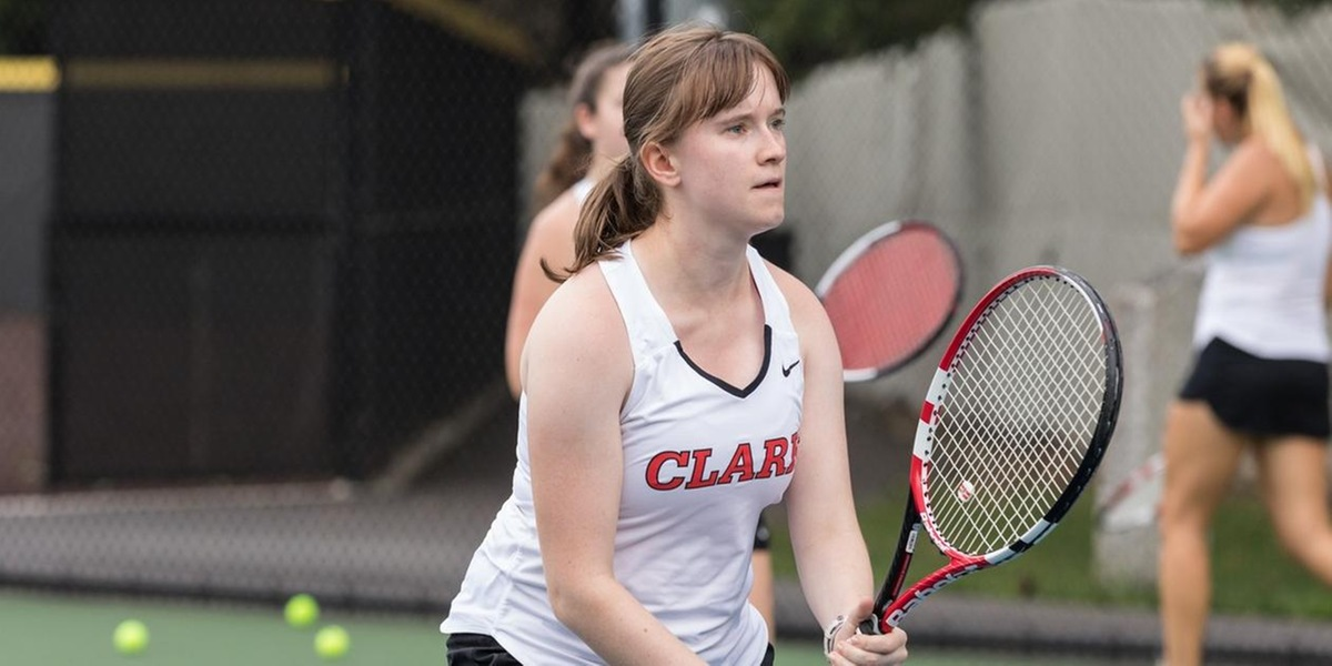 Women's Tennis Climbs to 6-3 Victory in Season Opener