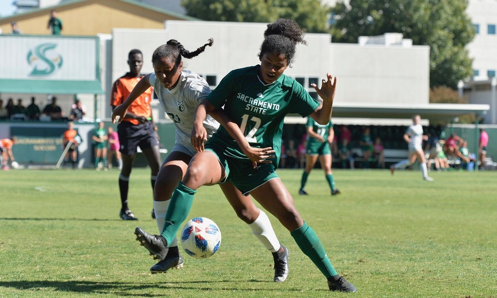 WOMEN'S SOCCER STUMBLES IN PHYSICAL MATCH, FALLS TO PORTLAND STATE