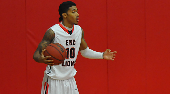 Men's Basketball Falters at Western New England Saturday