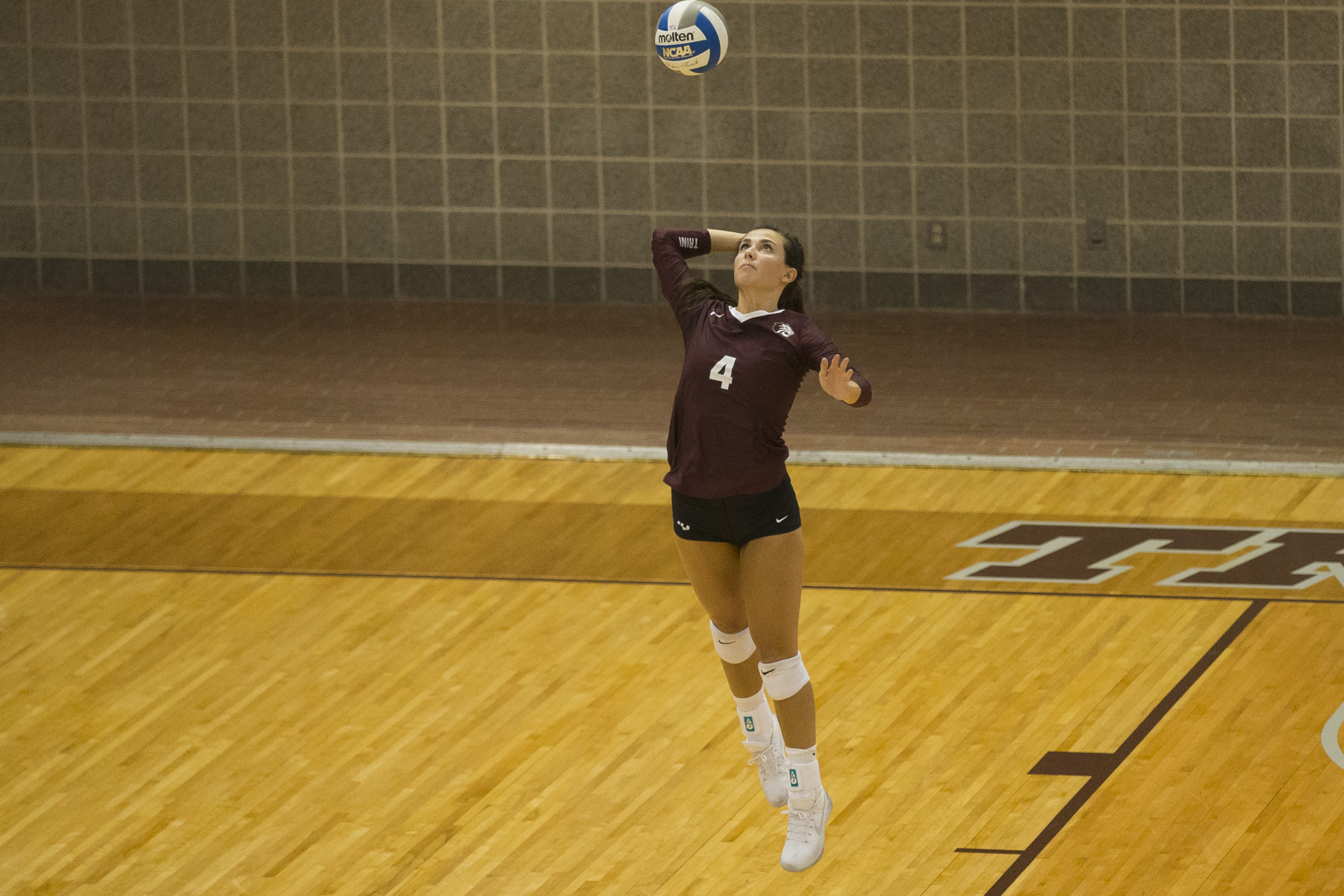Trinity Volleyball Claims Two Victories Saturday at National Invitational