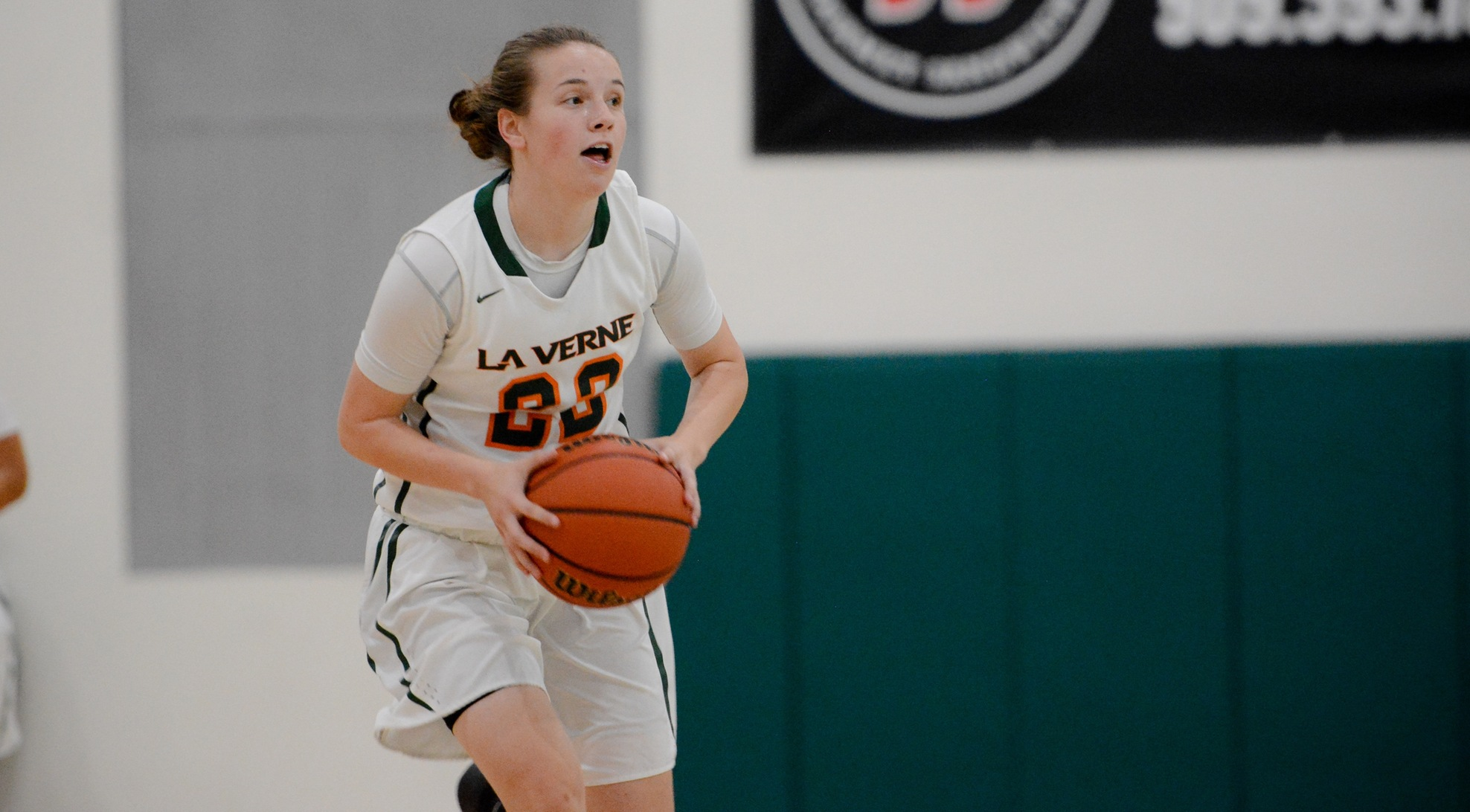 Women's Basketball drops to Whitworth, 90-70