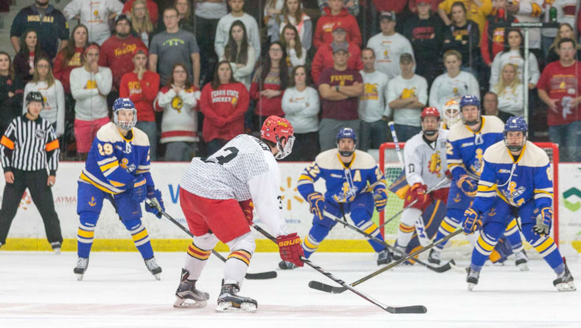Ferris State Hockey Wins Third-Straight With Important League Road Victory