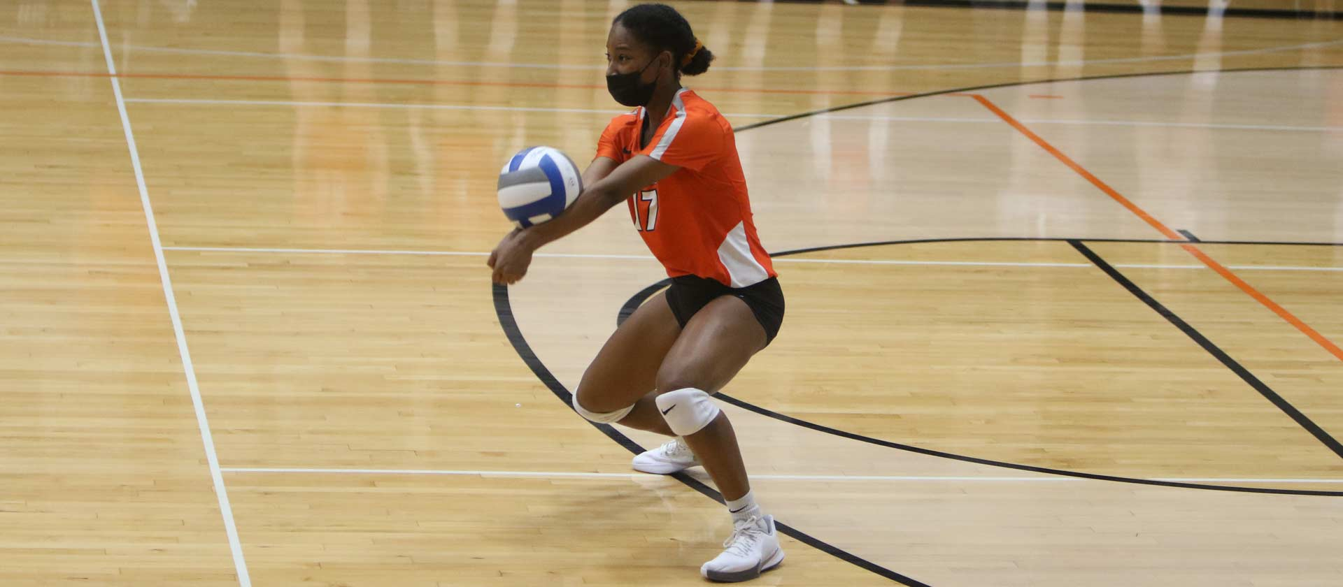 Women's volleyball tops Illinois College for second time