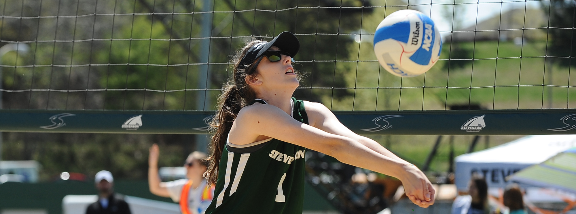 Beach Volleyball Splits on Opening Day