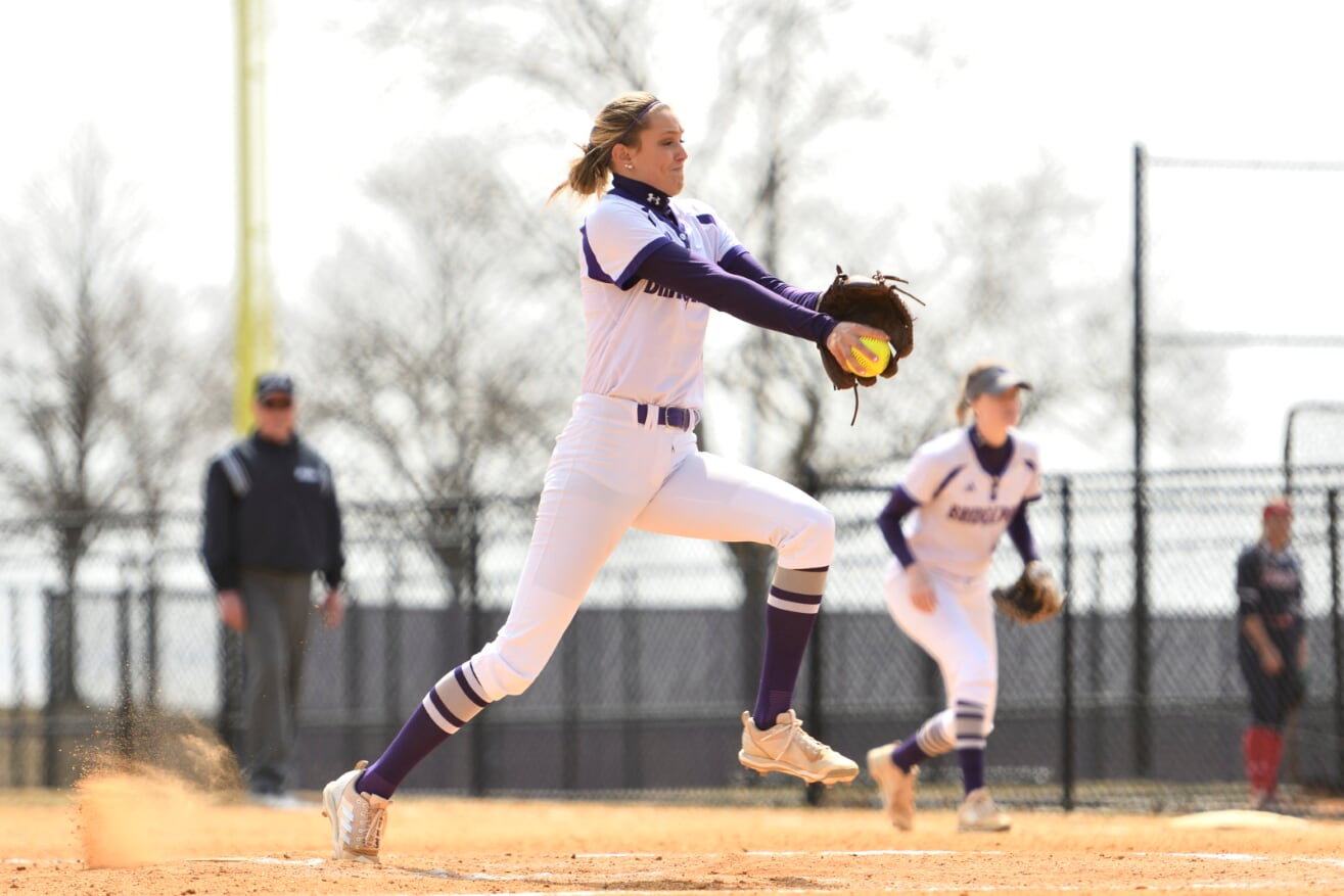 Amanda Staheli Earns Win Number 12 Of 2019 as Softball Splits At St. Thomas Aquinas