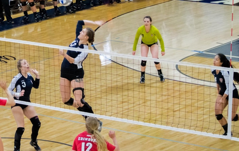 Women's Volleyball Edged Out by Post in CACC Opener