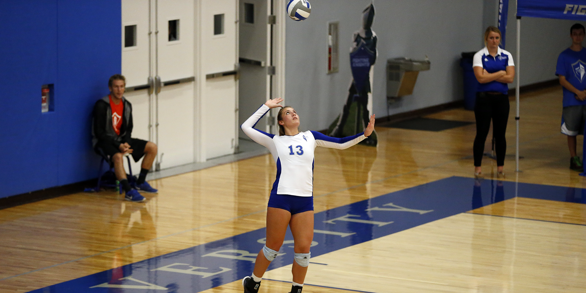 Volleyball Splits Pair of Five-Set Matches