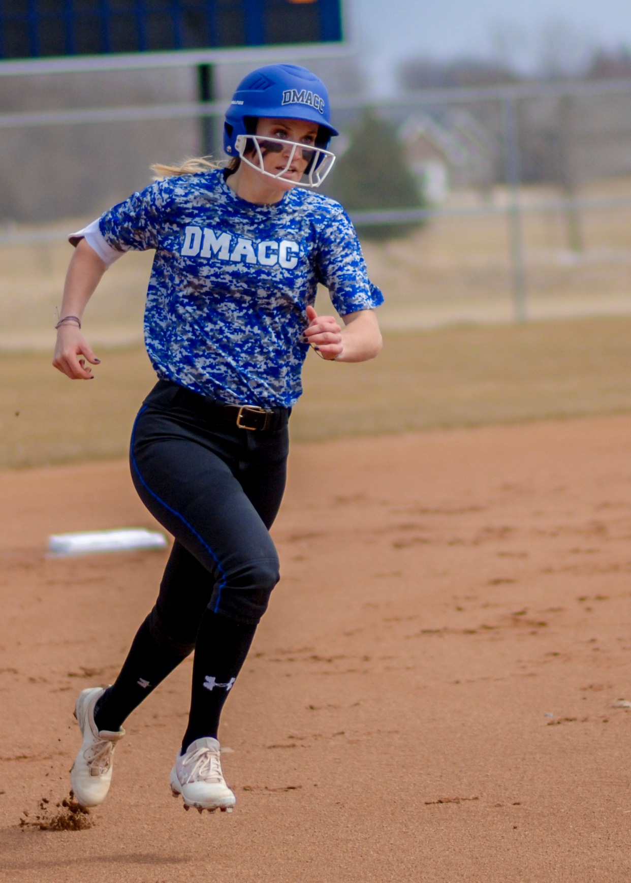 DMACC softball team routs MCC in doubleheader sweep