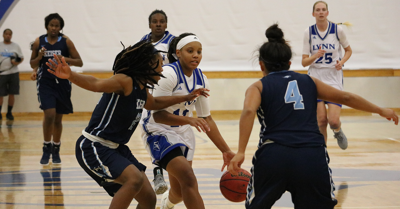 Women's Basketball Downed by Tritons
