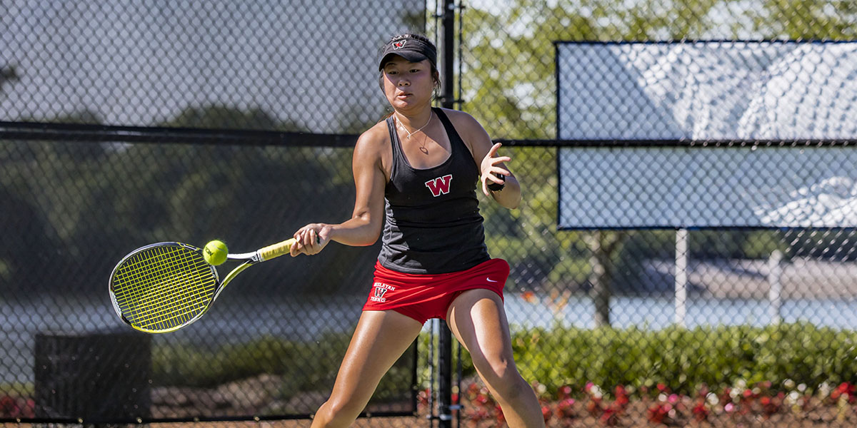 No. 9 Women's Tennis Cruises Past No. 34 Redlands, 8-1
