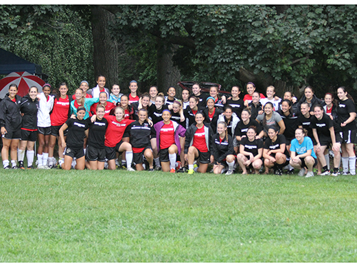 Women's Soccer Plays Overtime vs. Alumnae