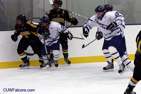 Men's Hockey battles to a draw against Northland