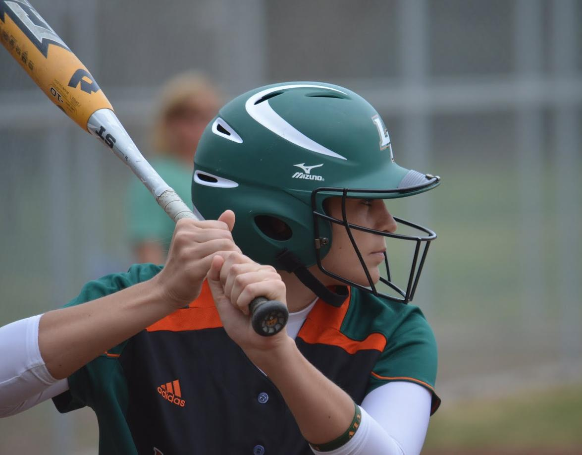 Softball splits at Occidental