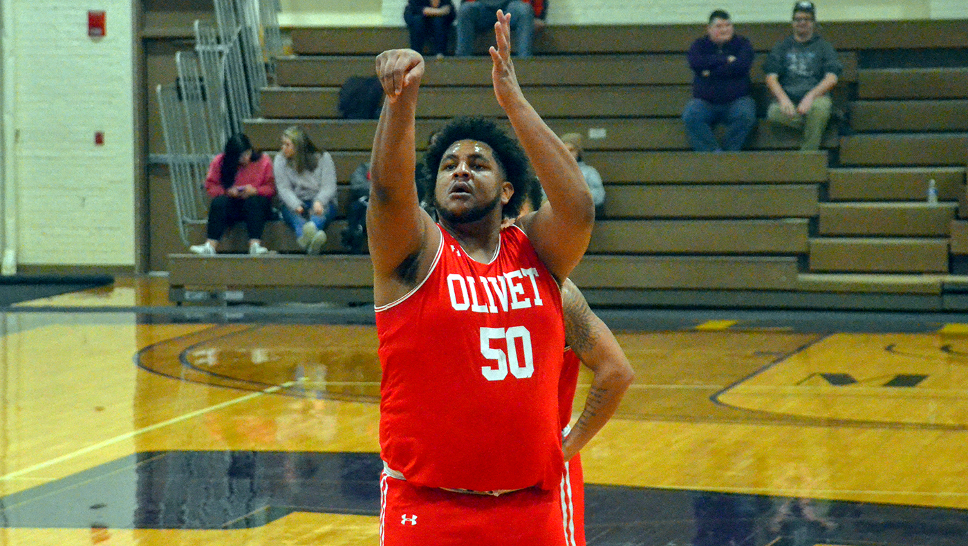 Jones' 25 points help men's basketball team beat Trine, 81-70