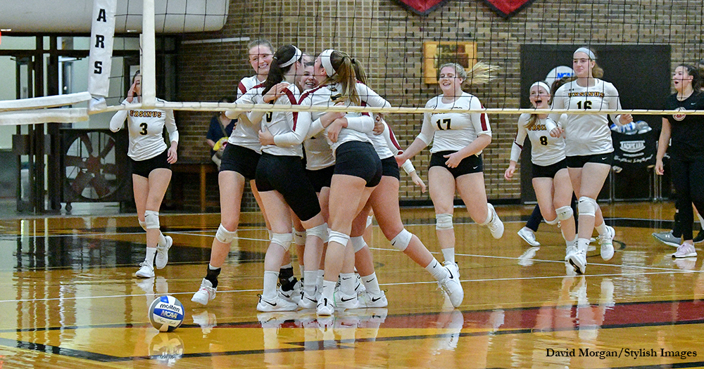 Volleyball Drops Devils in CC Marathon