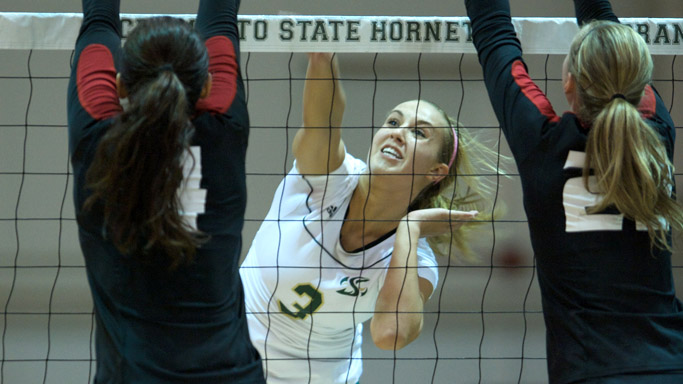 VOLLEYBALL LOSES TO EASTERN WASHINGTON, FALLS IN FIVE SETS AGAIN