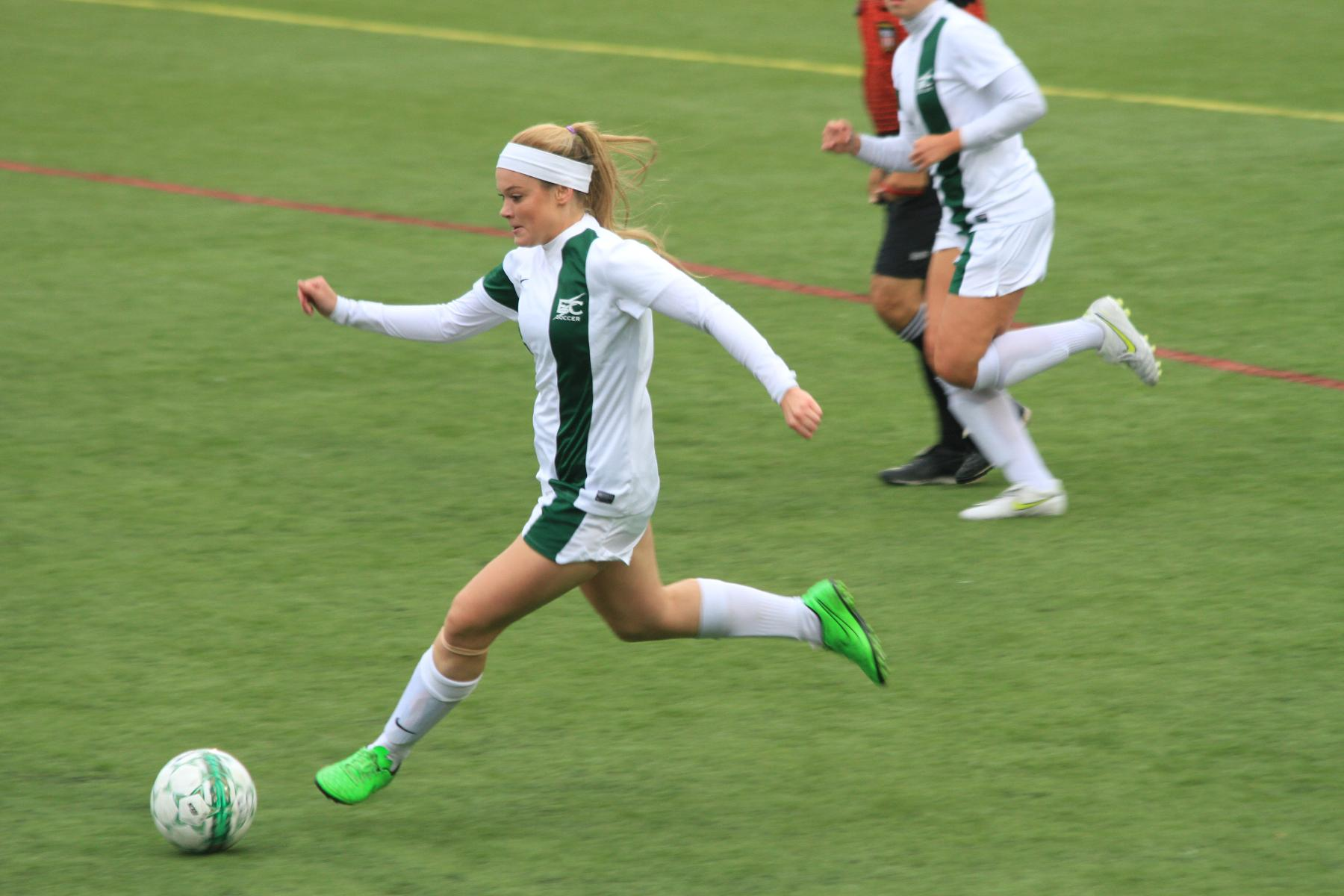 Women's Soccer Completes Undefeated Conference Season With Win at Daniel Webster