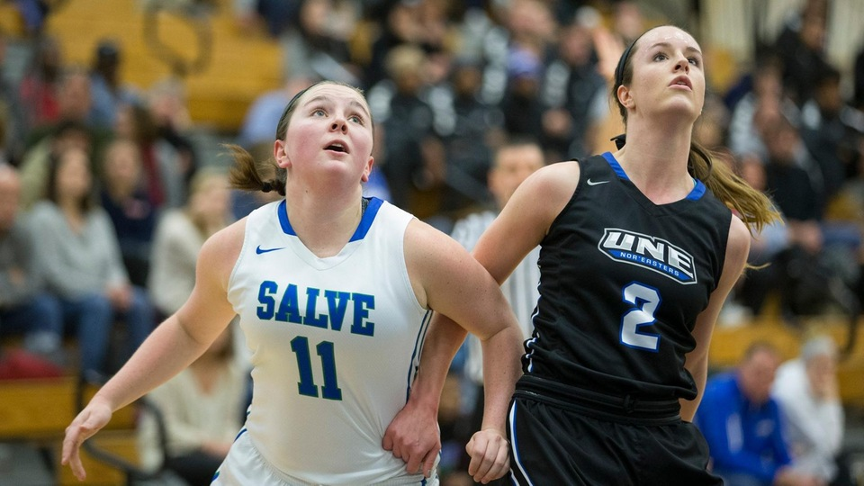 Liv Pierce battles for rebound against Nor'easters. (Photo by Rob McGuinness)
