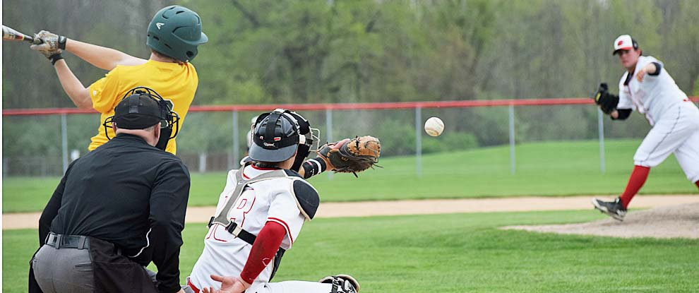 Photo for Baseball Takes Two Away From Glen Oaks