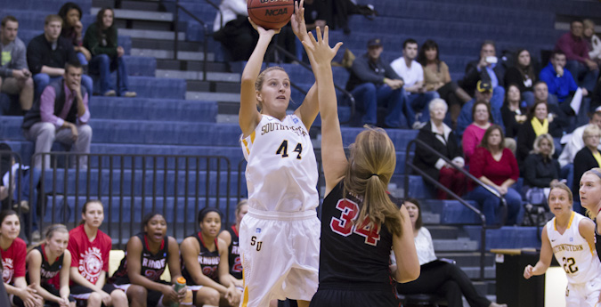 Women's basketball fends off Cowgirls