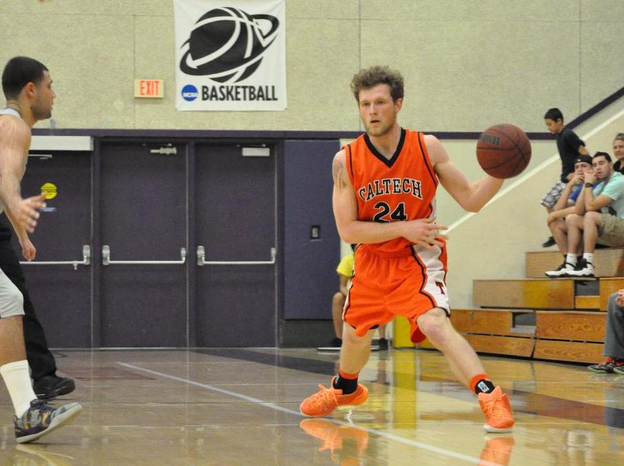 Ochse Breaks Out with Late Flurry at Cal Lutheran