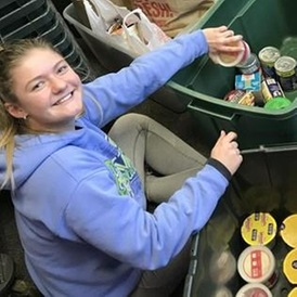 Lake Forest College Student-Athlete Advisory Committee To Participate in MWC Canned Food Drive